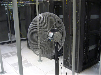 Stand fan in data center